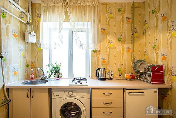 1-кімнатна квартира подобово, Херсон, вул. Залізнична, 21 (6)