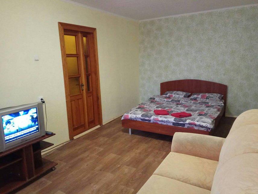 2-кімнатна квартира подобово, Дніпро, просп. Миру, 6 (2)