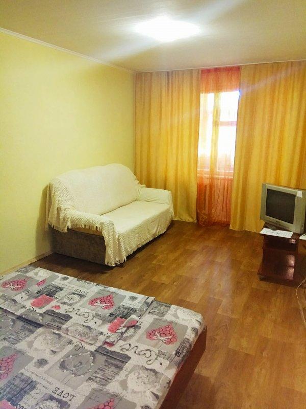 2-кімнатна квартира подобово, Дніпро, просп. Миру, 6 (3)