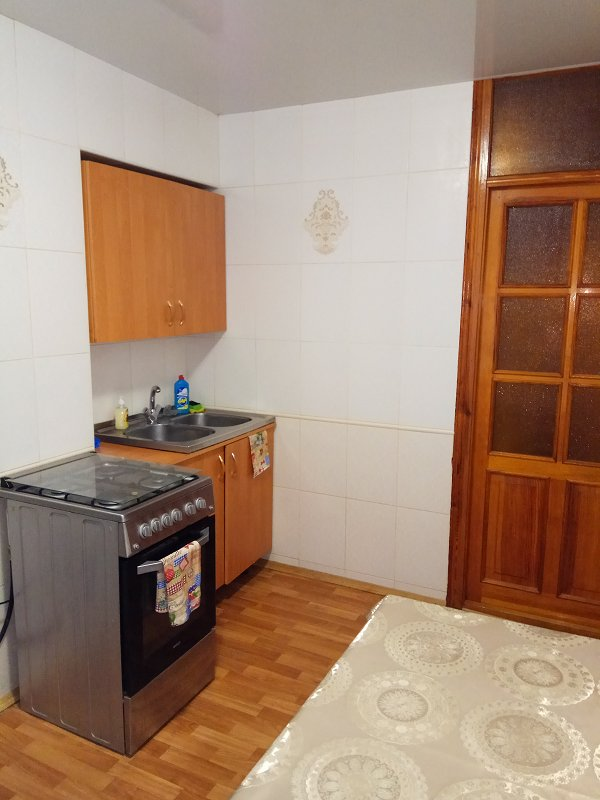 2-кімнатна квартира подобово, Дніпро, просп. Миру, 6 (9)
