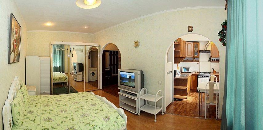 1-комнатная квартира посуточно, Киев, ул. Сечевых Стрельцов, 103