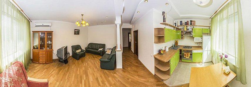 3-комнатная квартира посуточно, Киев, ул. Полтавская, 4 (1)