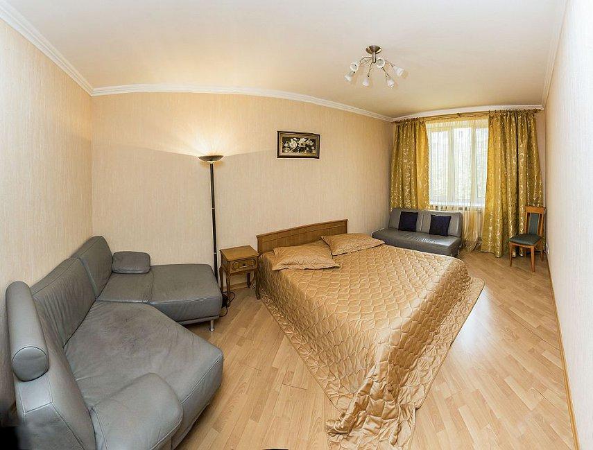 3-комнатная квартира посуточно, Киев, ул. Полтавская, 4 (4)