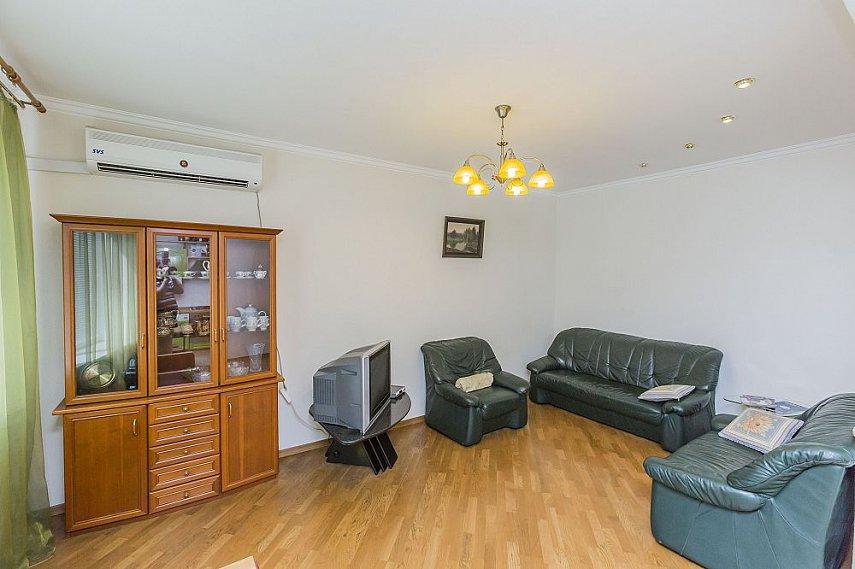 3-комнатная квартира посуточно, Киев, ул. Полтавская, 4 (6)