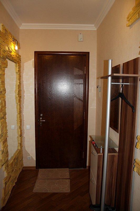 3-комнатная квартира посуточно, Киев, ул. Полтавская, 4 (8)