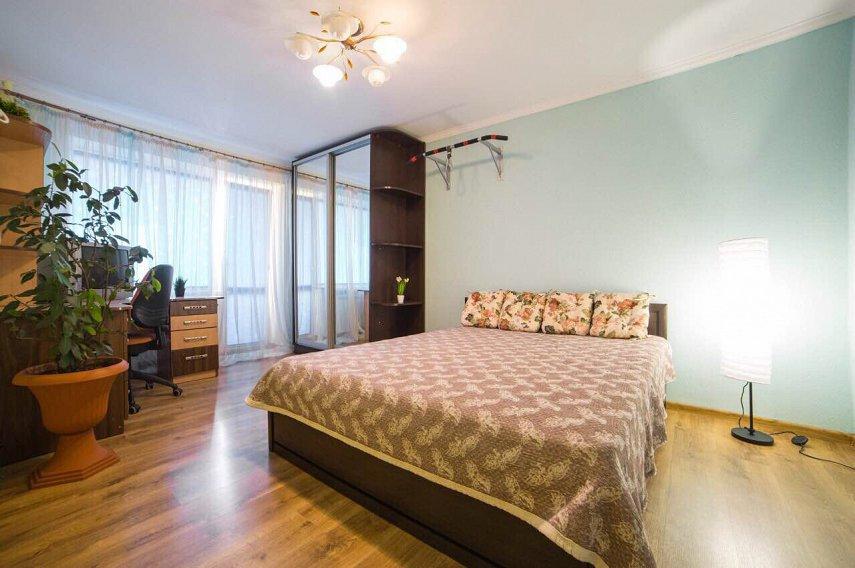 3-комнатная квартира посуточно, Львов, ул. Базарная, 50 (2)