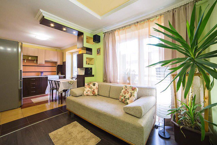 3-комнатная квартира посуточно, Львов, ул. Базарная, 50 (4)