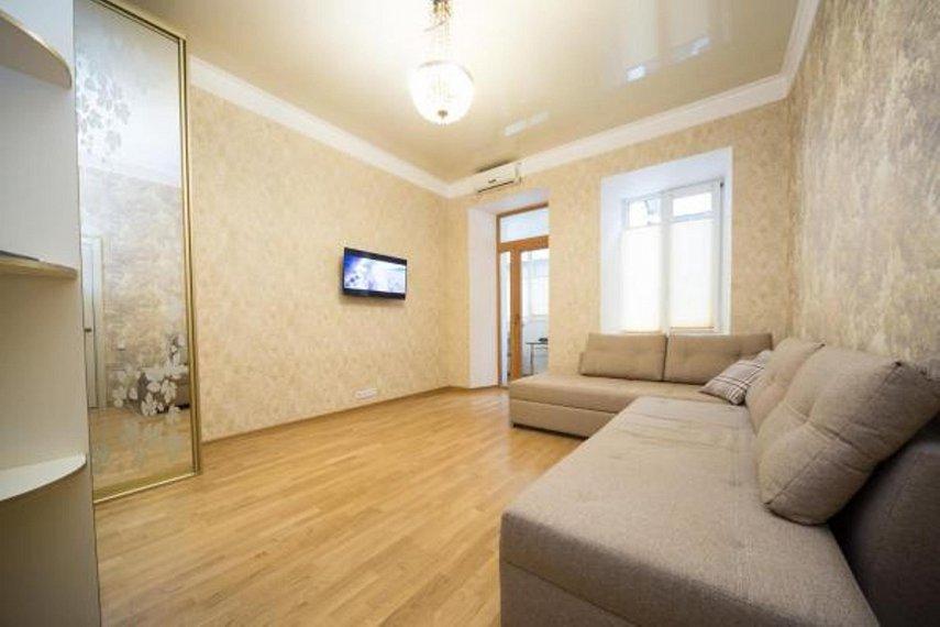 2хкомнатная квартира в центре Одессы