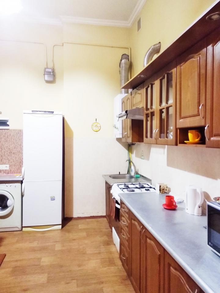 Однокомнатная квартира возле палацу Потоцький в центрі (5)