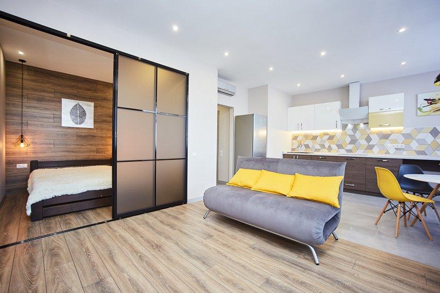 Квартира-люкс біля моря з новим дизайнерським ремонтом