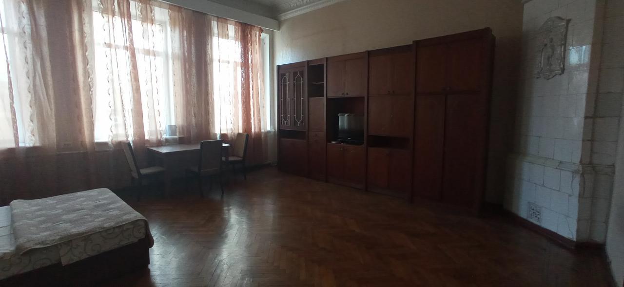 Сдам посуточно квартиру в центре города (1)