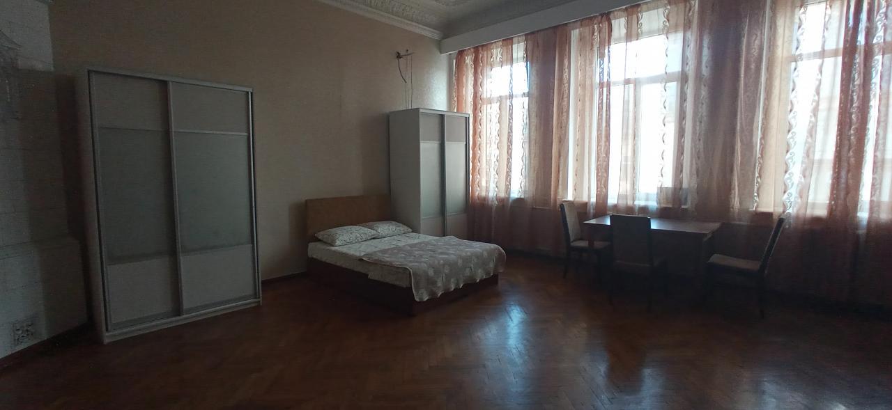 Сдам посуточно квартиру в центре города (2)