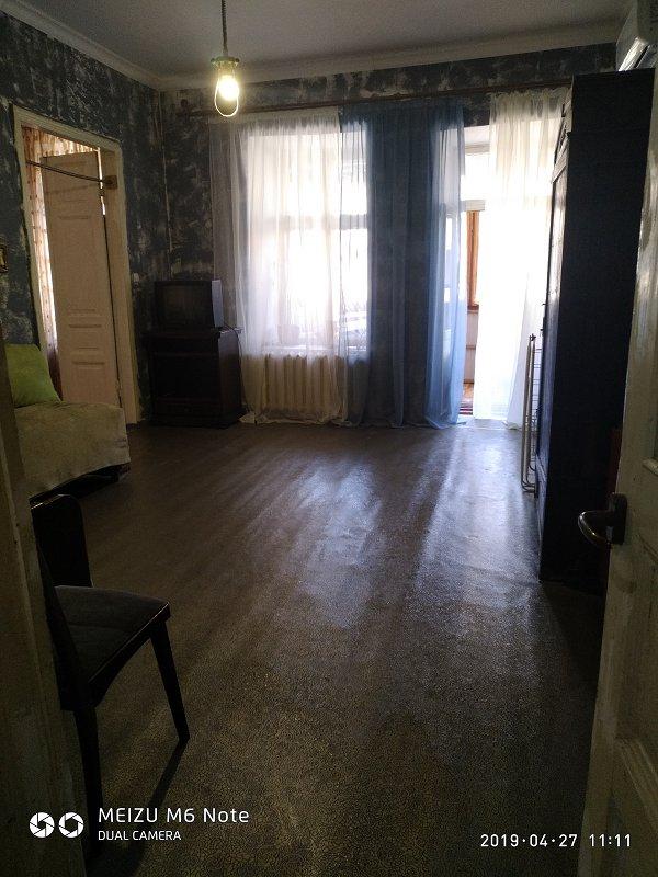 Двух комнатная квартира в районе жд вокзала