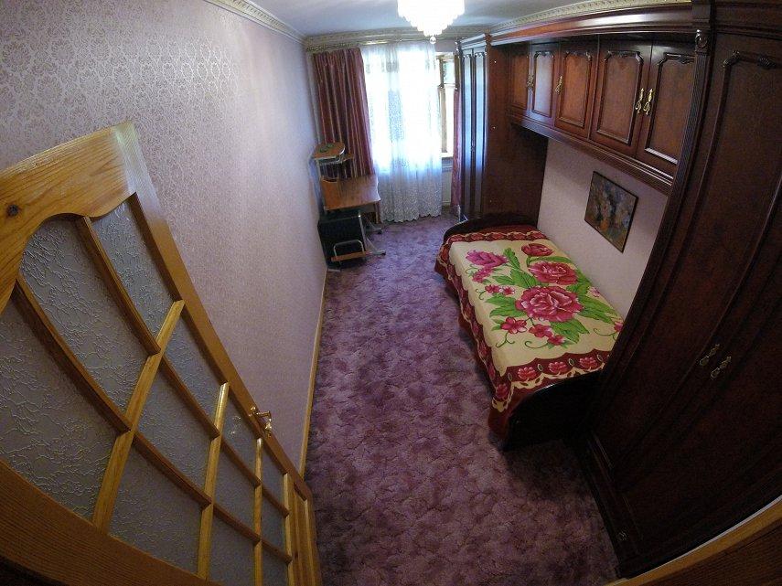 3х комнатная возле Дендропарка на проспекте Шевченко (2)