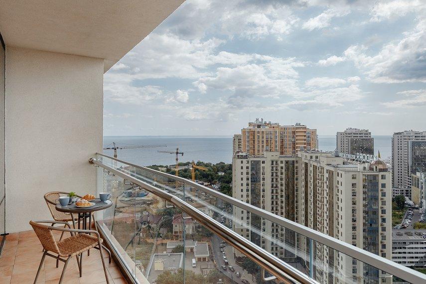 VIP апартаменты с террасой и видом на море на 25 этаже!