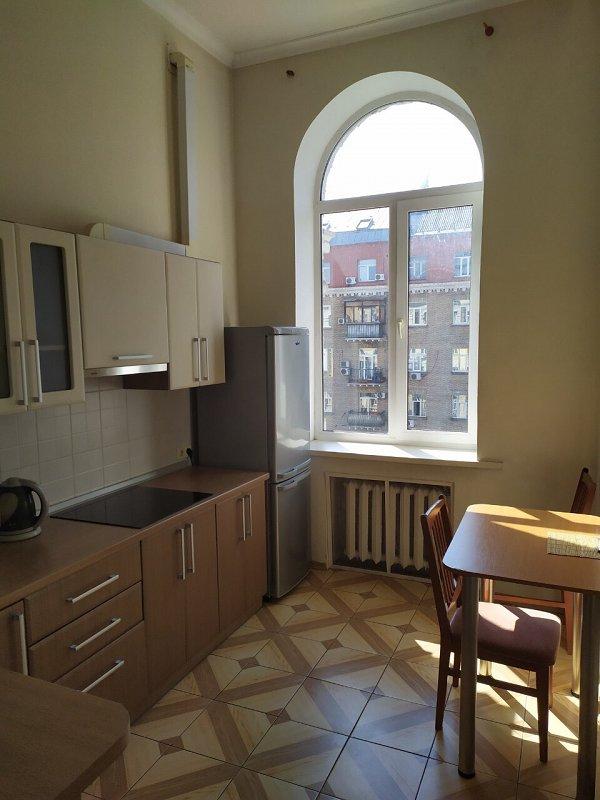 Сдается большая двухкомнатная квартира. Центр (7)