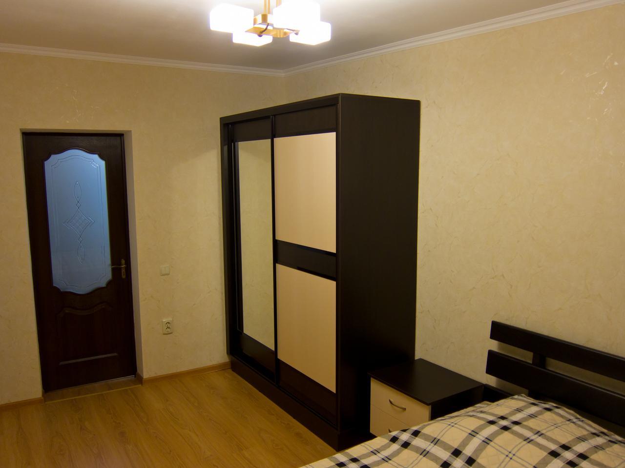 1-кімнатна квартира подобово, Ялта, вул. Пушкінська, 13 (5)