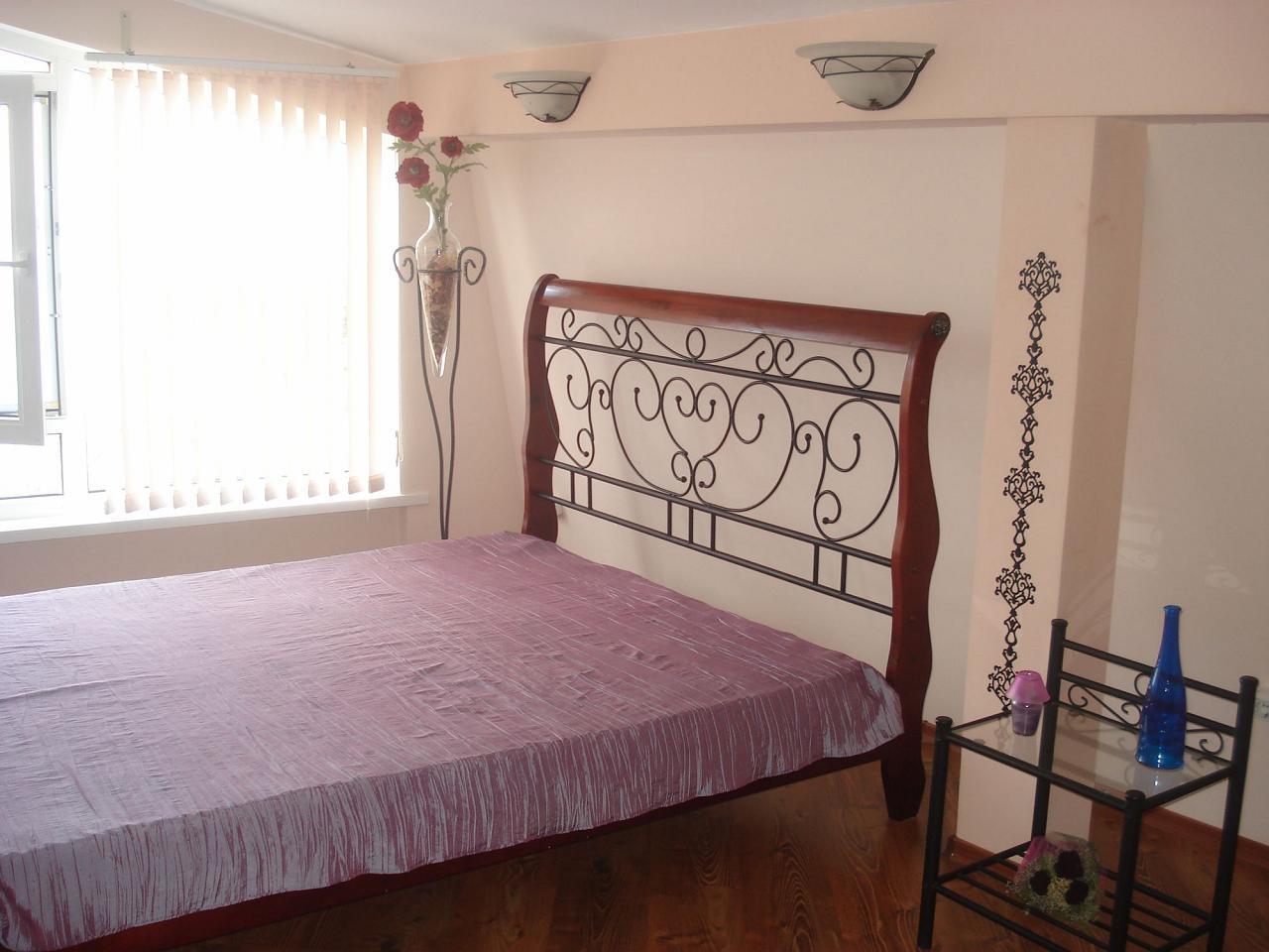 Третий видовой этаж дома в Кастрополе. Две раздельные спальни. Беседка, мангал. (9)