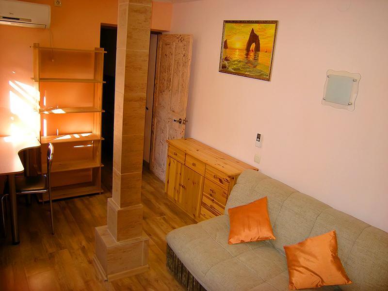 Дом на Ялтинском курорте Мисхор в Гаспре с большим персональным двором (7)