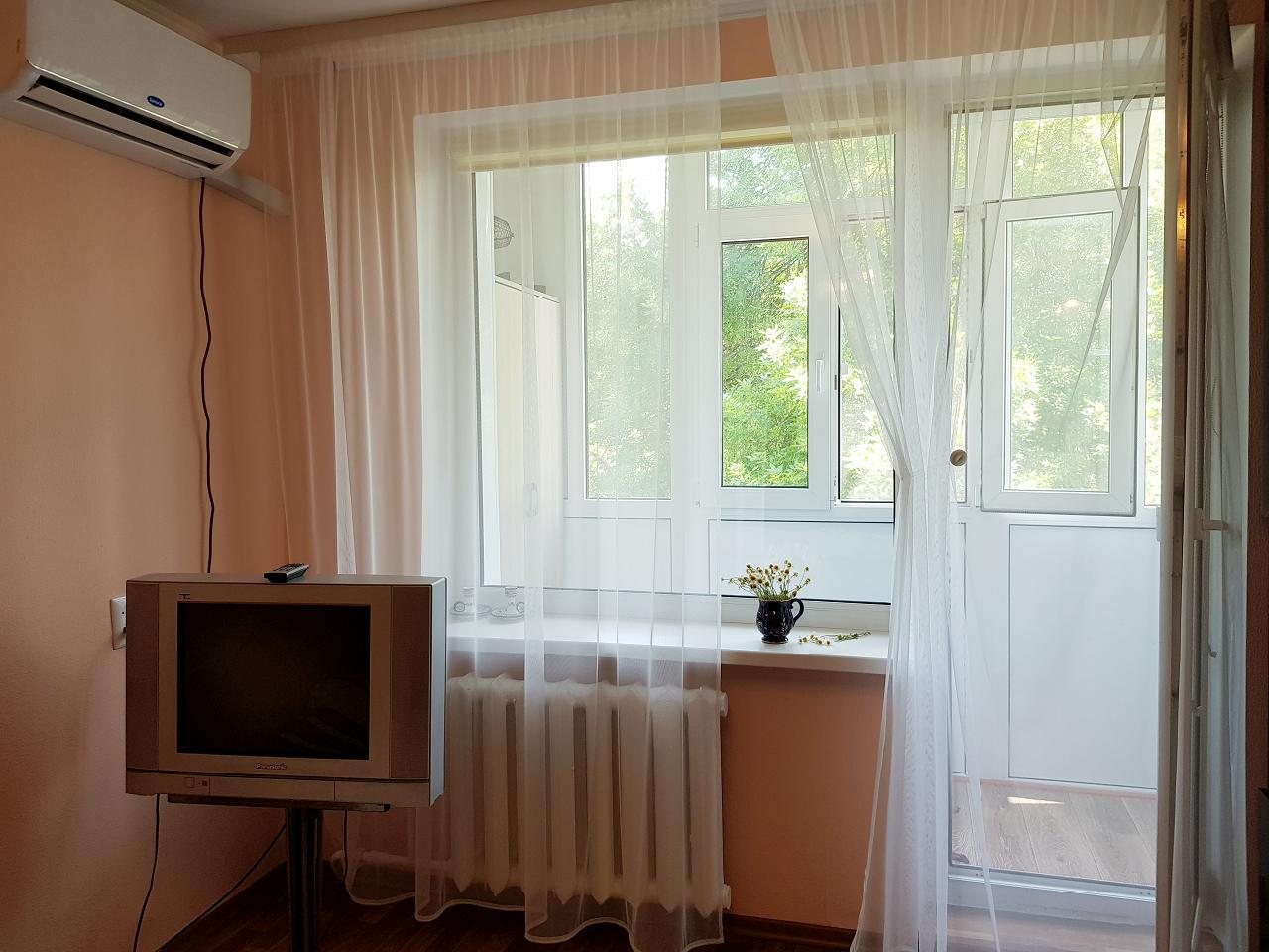 По-домашнему уютная 1 комнатная кв. в Центре, 3 – я Слободская, 3 спальных места (4)