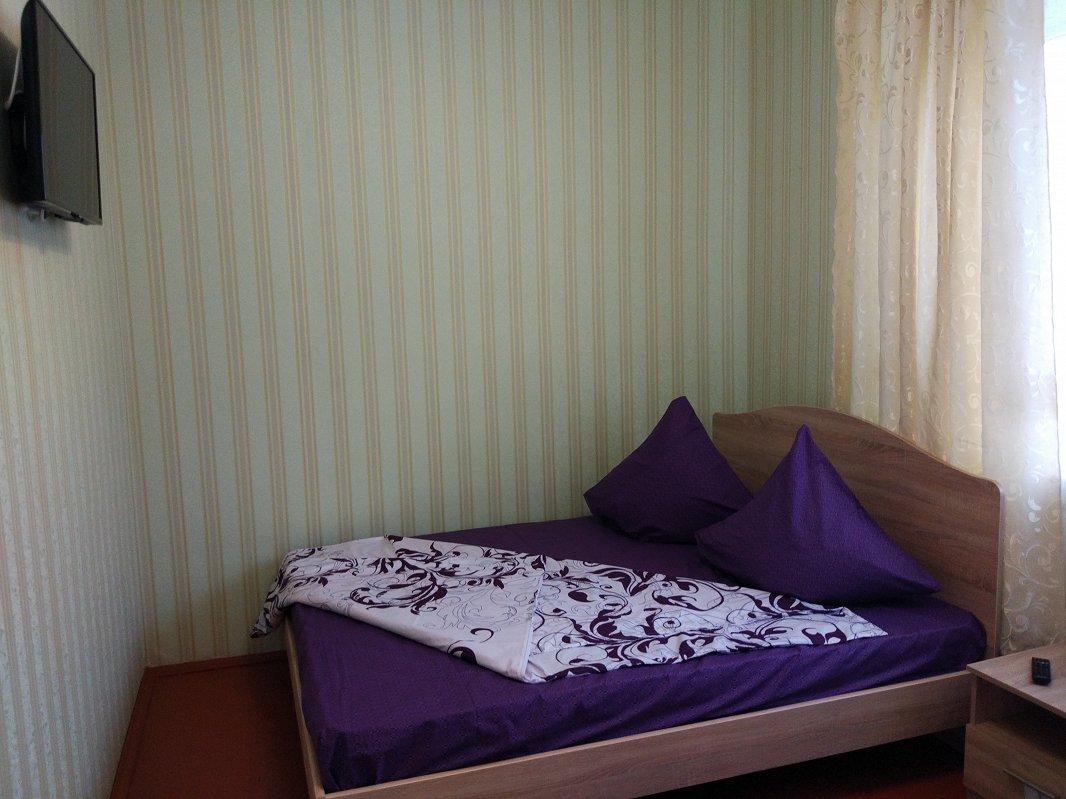 Сдаются посуточно отдельные комнаты в небольшом частном одноэтажном доме (1)